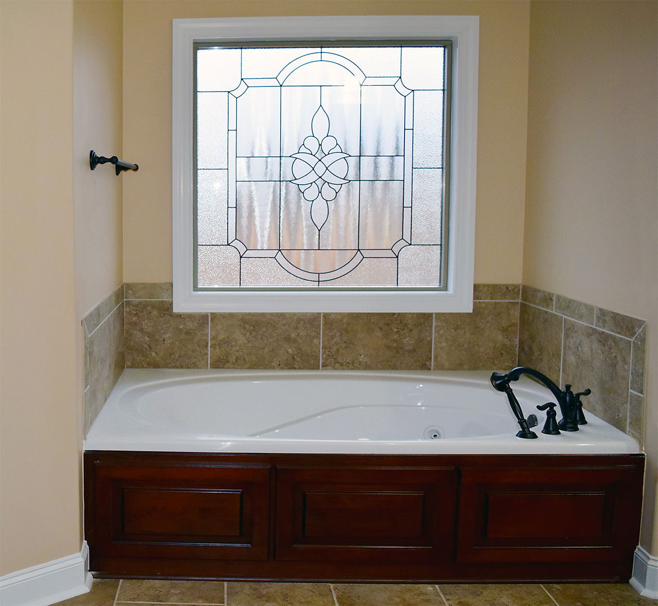 Hill Construction master bath tub.